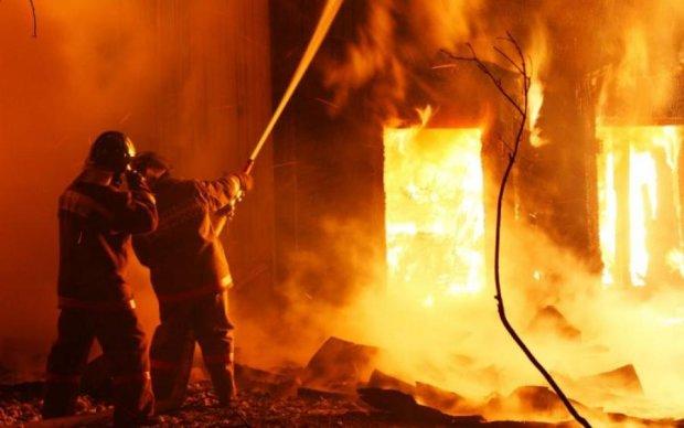 Пожары и взрывы: в России началась срочная эвакуация