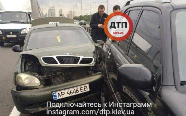 Суровое ДТП: таксист-наркоман парализовал киевский мост