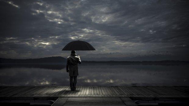 Убивча самотність: названо найдепресивніший вік, можна втратити себе