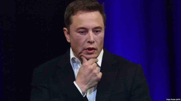 Ілон Маск зазнав фіаско з посадкою Falcon 9: Роскосмос зайшовся в істеричному захваті