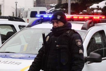 У центрі Києва сталася масова бійка з поліцією: причому тут дружина Зеленського