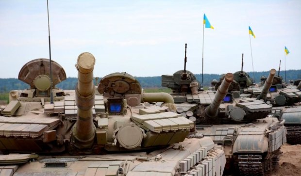 Українські танкісти показали бойову підготовку (відео)