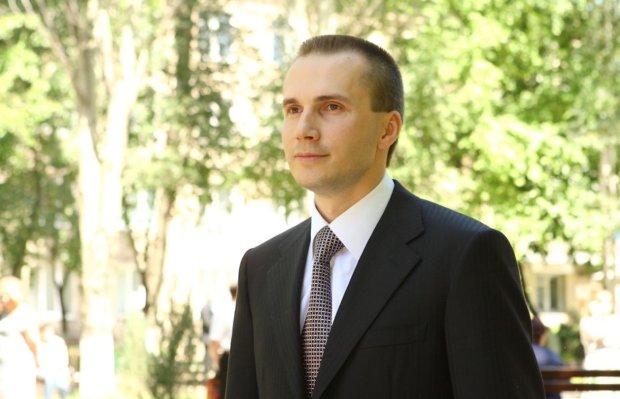 Янукович-младший тайно приехал в Украину: получит лакомый кусок