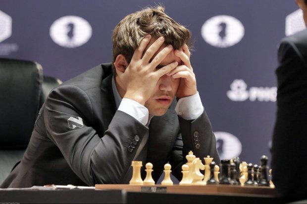 Как два пальца об асфальт: украинец завоевал трофей, обыграв лучшего шахматиста мира