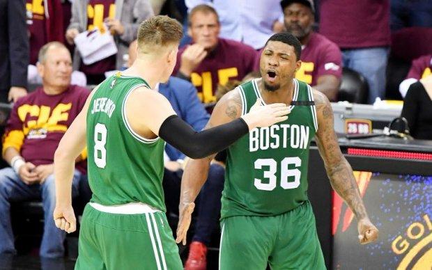 НБА: Бостон на останніх секундах матчу вирвав перемогу у Клівленда