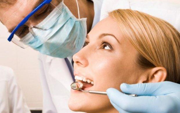 Простые и дешевые средства избавят от распространенной проблемы с зубами