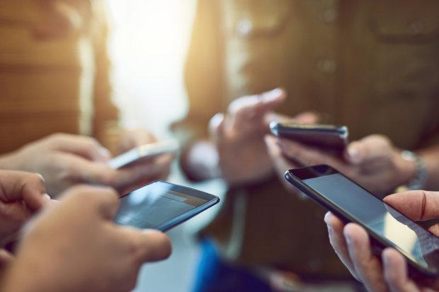 Викриваємо міфи: смартфони викликають рак