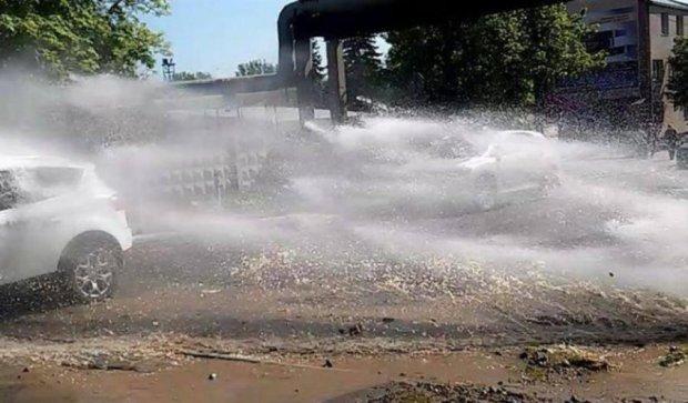 Через прорив труби Харків наповнюють нечистоти