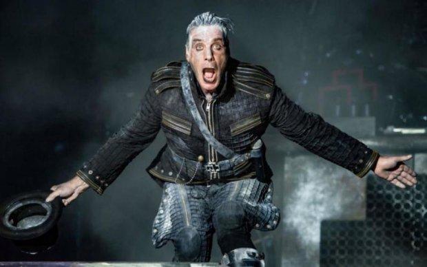 Страсти кипят: солист Rammstein увлекся украинской запроданкой