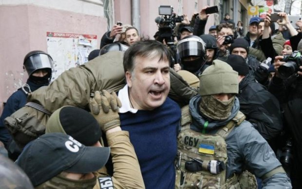 Дело Саакашвили: киевский суд окружили силовики