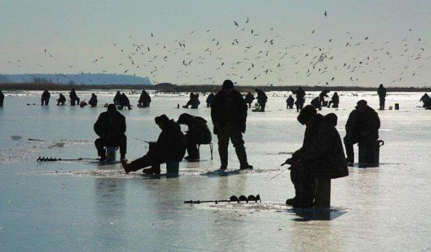 У Києві рибак помер під водою