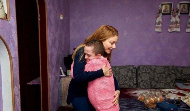 Кароль устроила персональный концерт для онкобольной девочки