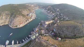 Окупанти встановили паркан по периметру Криму: жителів відрізали від світу, люди паніці від знущань
