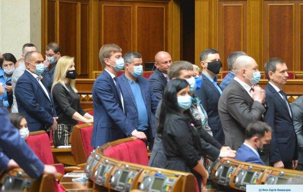 Верховная Рада внепланово собралась ради увольнения министров Степанова, Петрашко и Криклия