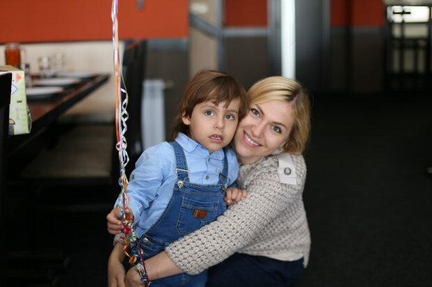 Ліна Акопян з сином, фото з особистого архіву героїні