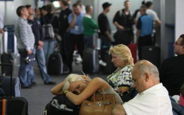 Сотні українців застрягли на відомому курорті