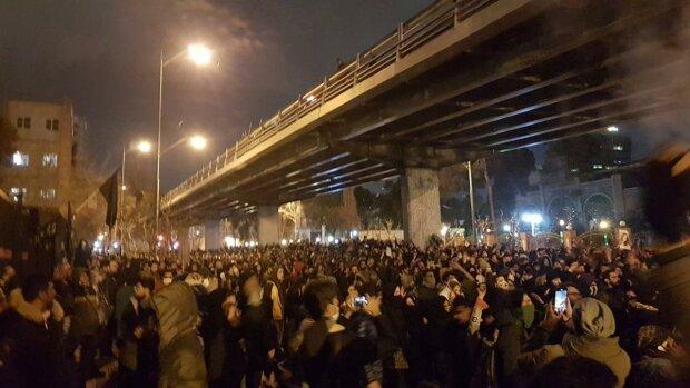 Протести в Тегерані