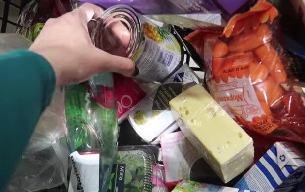 Покупки, кадр з відео
