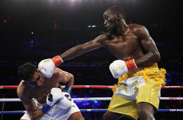 Теренс Кроуфорд победил Амира Хана, Getty Images