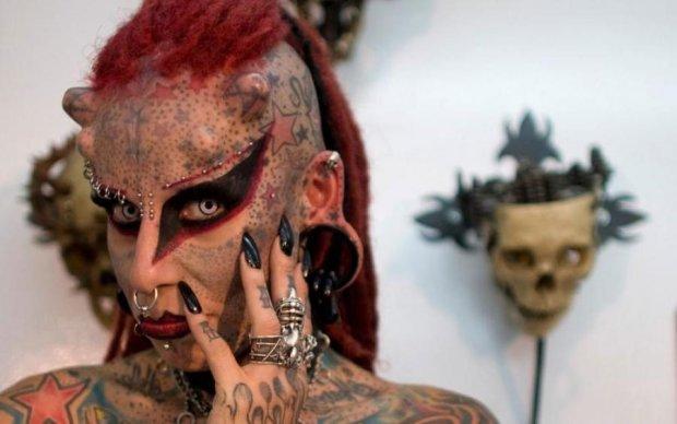 Загрожує смертельна хвороба: названа найбільша небезпека татуювань