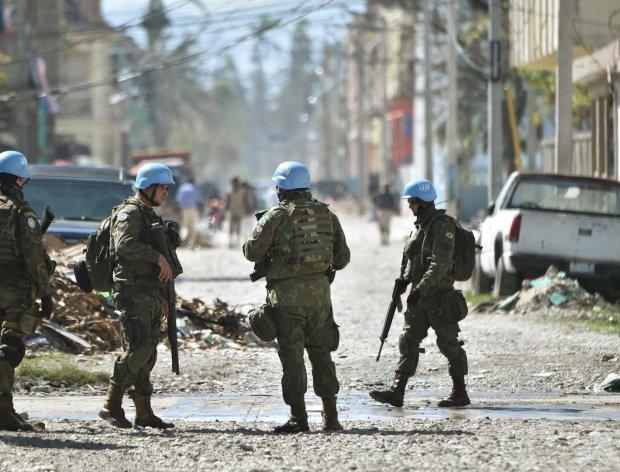 Миротворці на Донбасі: Меркель та Макрон підтримали план Сайдіка, Путіну кінець