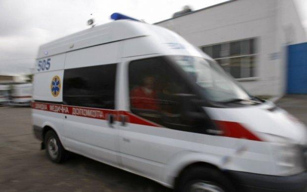 Водитель микроавтобуса отправил пассажиров в больницу на Луганщине