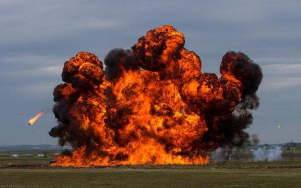 Мощнейший взрыв на Донбассе: склад боеприпасов взлетел в воздух