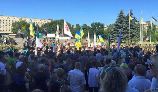 Годовщину освобождения от боевиков отпраздновали в Славянске (фото)