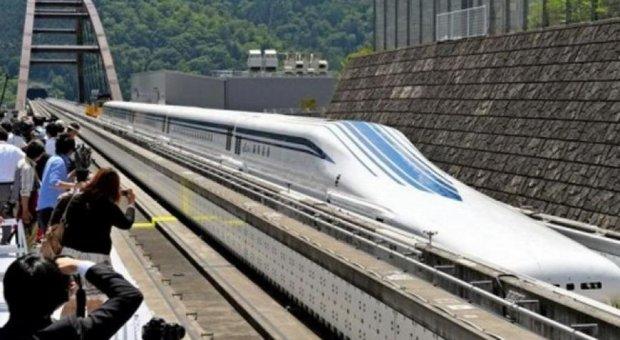 Японський поїзд на магнітній подушці встановив рекорд швидкості