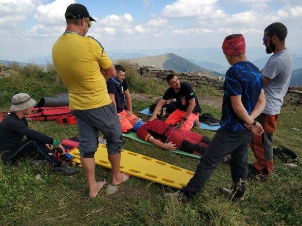 Карпаты заполонили десятки спасателей, работают не покладая рук: что произошло