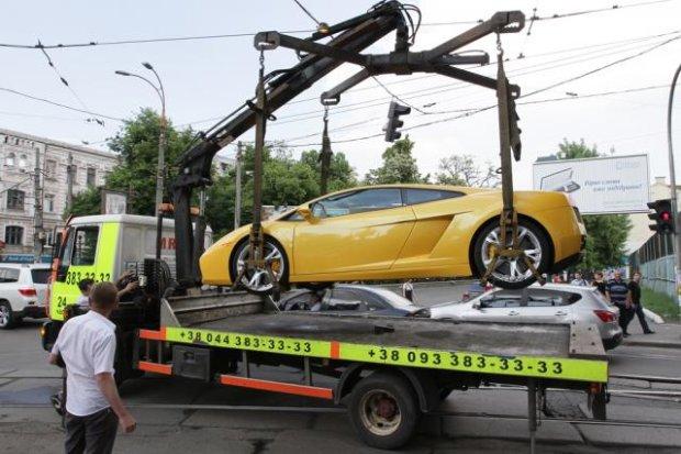 Тисячні штрафи: з водіїв висмокчуть останні гроші за неправильну парковку