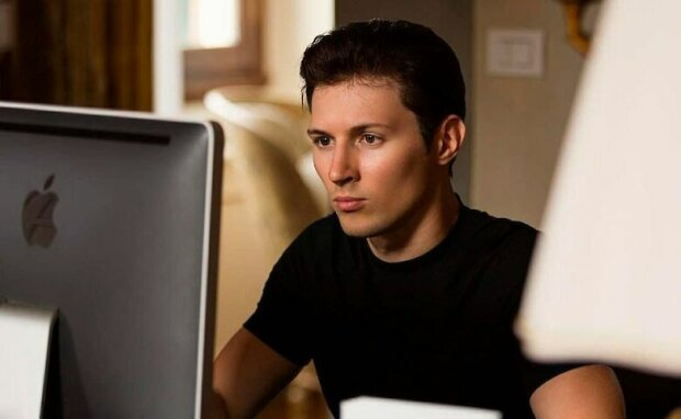 Дуров розкритикував новий iPhone 12 Pro і спрогнозував обвал Apple: ″Громіздкий шматок заліза″