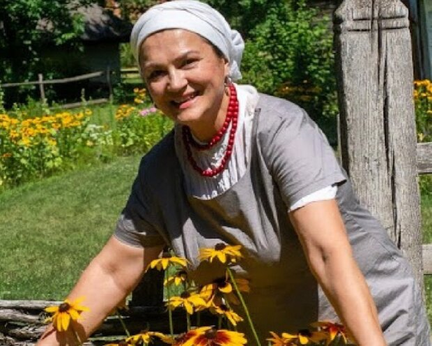Наталка Сумська повернулася у 90-ті - каре і проникливий погляд: українська Наталі Портман