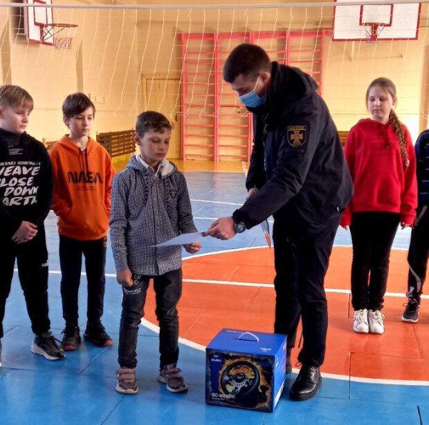 Школьник спас ребенка, фото: ГСЧС Николаевской области