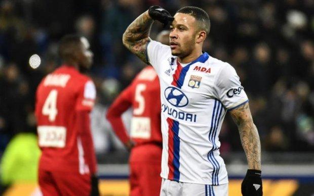 Нидерландского звездного футболиста поймали с поличным