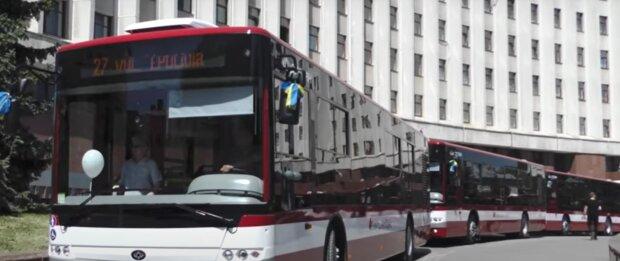 Марцінків безкоштовно прокатає франківчан у комунальному транспорті, але є одна умова