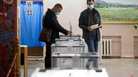 Местные выборы довели: в Луцке наблюдатель выбросился из окна, чтобы не считать голоса