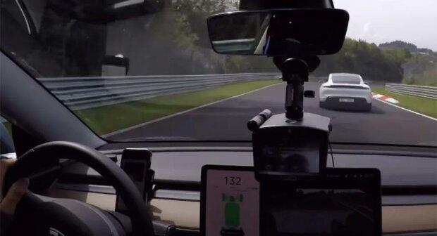 Tesla Model 3 Chase A Porsche Taycan, скриншот