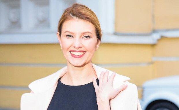 Олена Зеленська вперше з'явилася на публіці після скандалу: сміялася з виступу президента