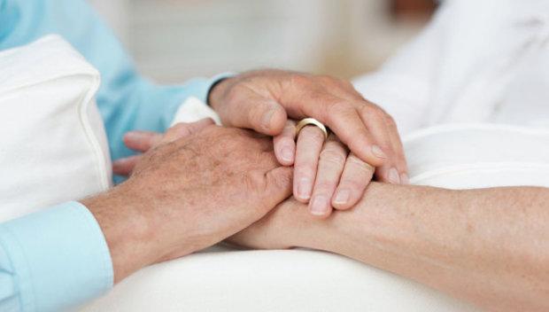 Долго и счастливо: супруги прожили в браке 70 лет и умерли в один день