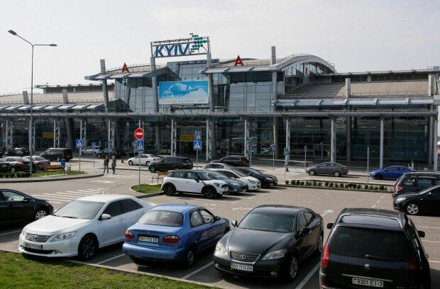 В Киеве закрывают главный аэропорт: что происходит, пассажиры в шоке, что делать с билетами