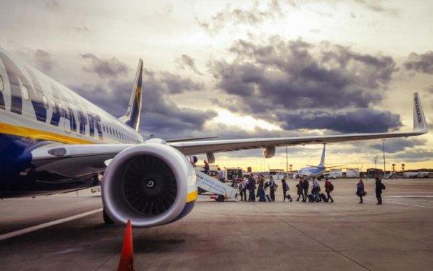 Сотни тысяч пассажиров пострадают от скандала в Ryanair