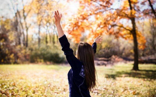 Погода на 18 октября: аномальная жара вызовет бурю эмоций, можно смело снимать пальто