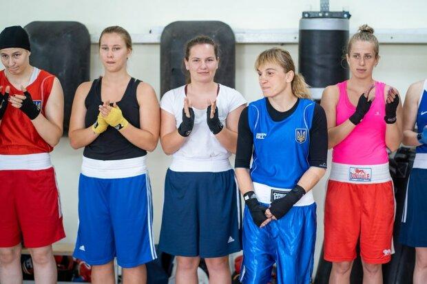 Жіноча збірна України з боксу відмовилася виступати на ЧС в Росії