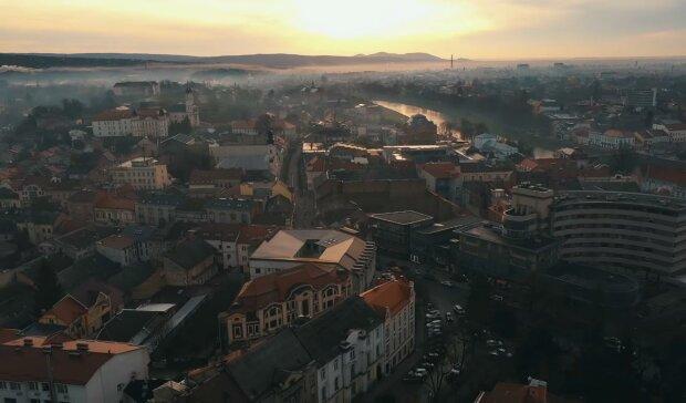 Мукачево і Ужгород схрестять мечі за звання найкращого міста - хто переможе