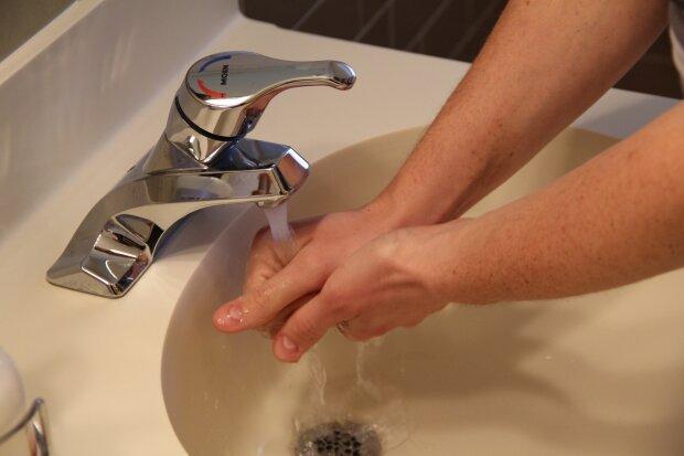 Миття рук, фото Pxhere