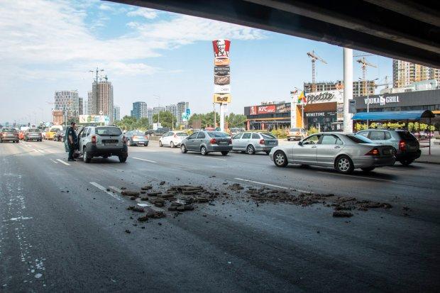 """В Киеве рухнул мост: в рядах """"уставших"""" Кличко - пополнение"""