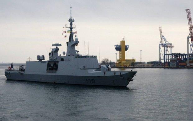 В Одессу зашел французский боевой корабль из известных фильмов