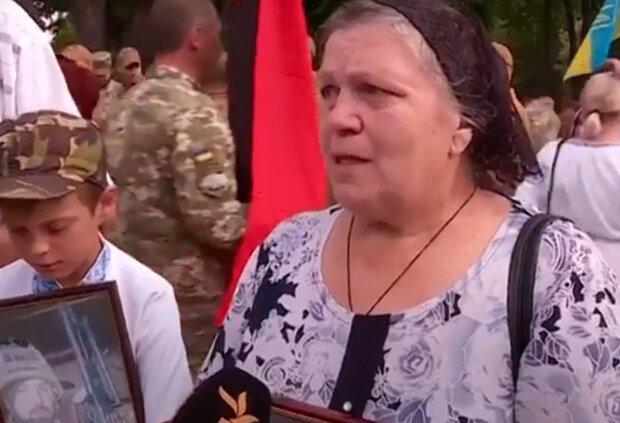"""Мать погибшего киборга пристыдила Егорову на всю Украину: """"Мы - семья селюков..."""""""