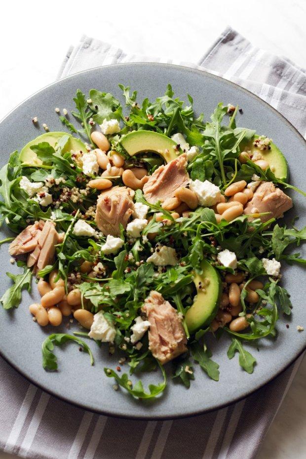 Рецепт салата с бобами и тунцом: когда нет времени готовить